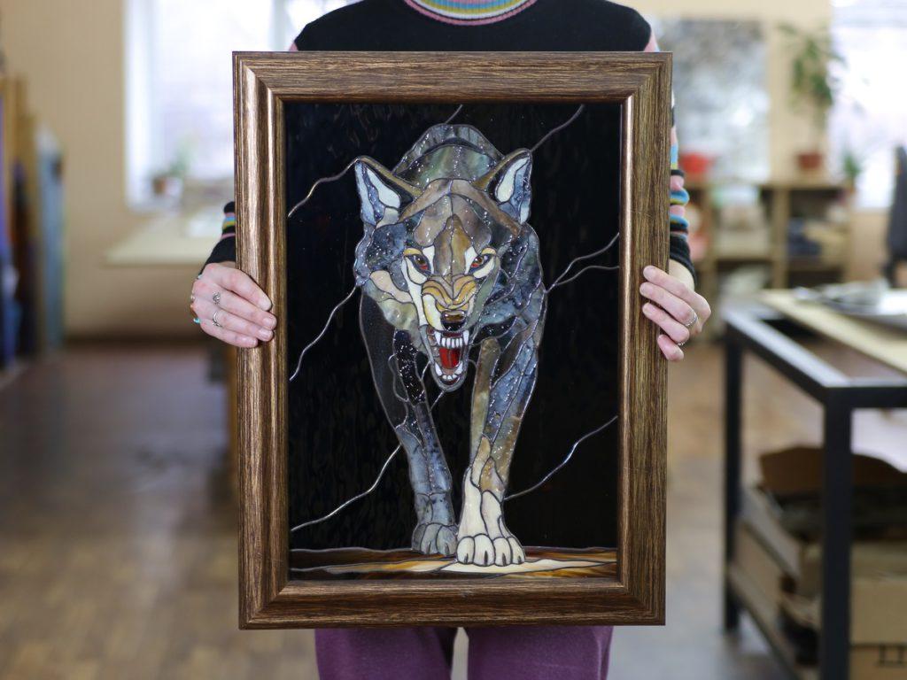 картина волк витраж