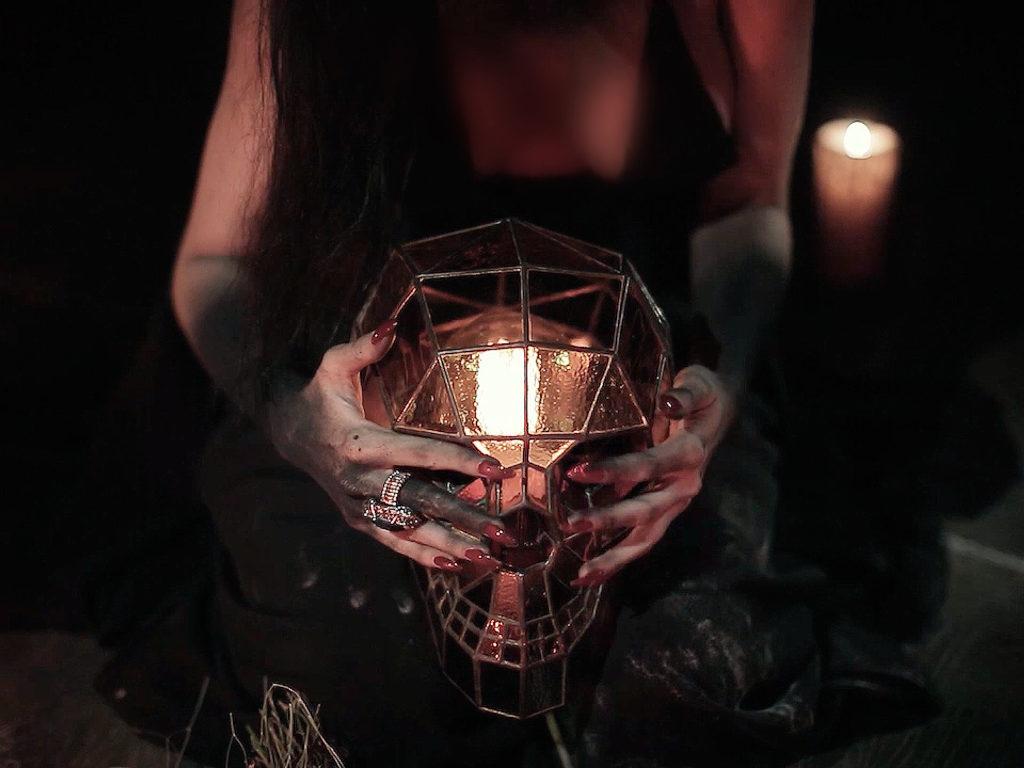 Светильник «Череп» #S-0028